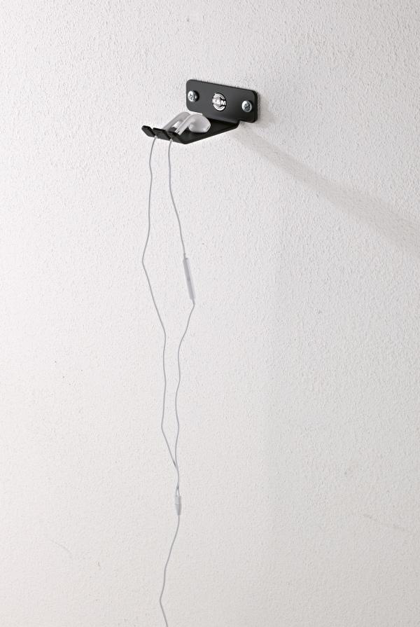 Headphone wall holder